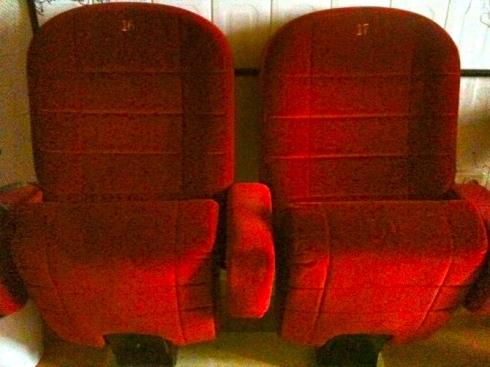 red velvet bamarang. Black Bedroom Furniture Sets. Home Design Ideas